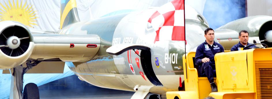 """Acto Académico por Finalización del Proyecto BAC Canberra Mk-62 B-101 """"Pelicano"""""""